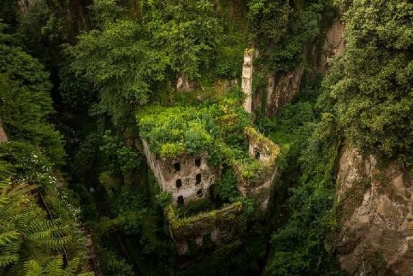 Molino abandonado en Sorrento, Italia - Créditos: Jason Wallace