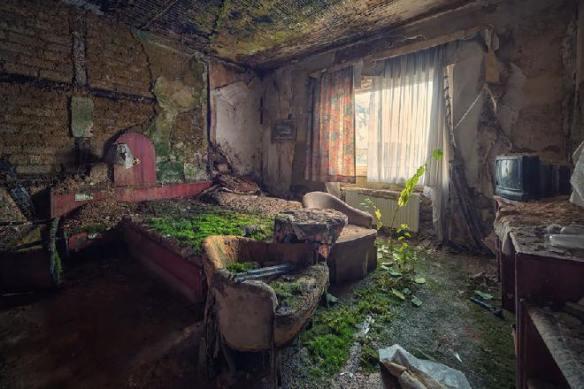 Habitación de hotel abandonado - Créditos: Matthias Haker
