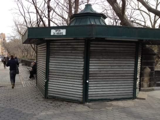Abierto 24 horas / Open 24 hours