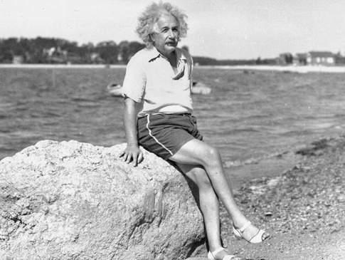 Una foto de mi abuela, me han dicho que era muy inteligente / Here is a picture of my grandma, I've been told she was very smart