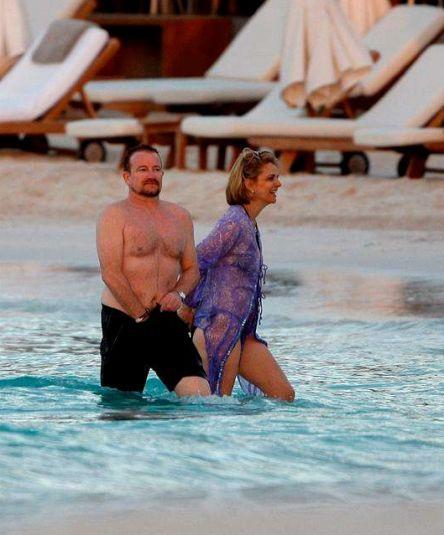 Bono todavía no ha encontrado lo que está buscando... / Bono still hasn't found what he's looking for...