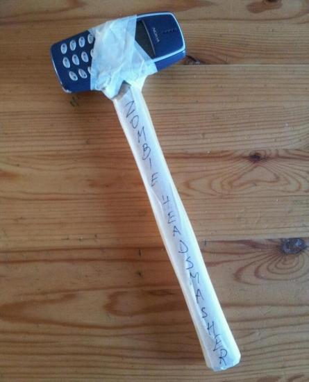100% preparado para un apocalipsis zombie / 100% prepared for a zombie apocalypse